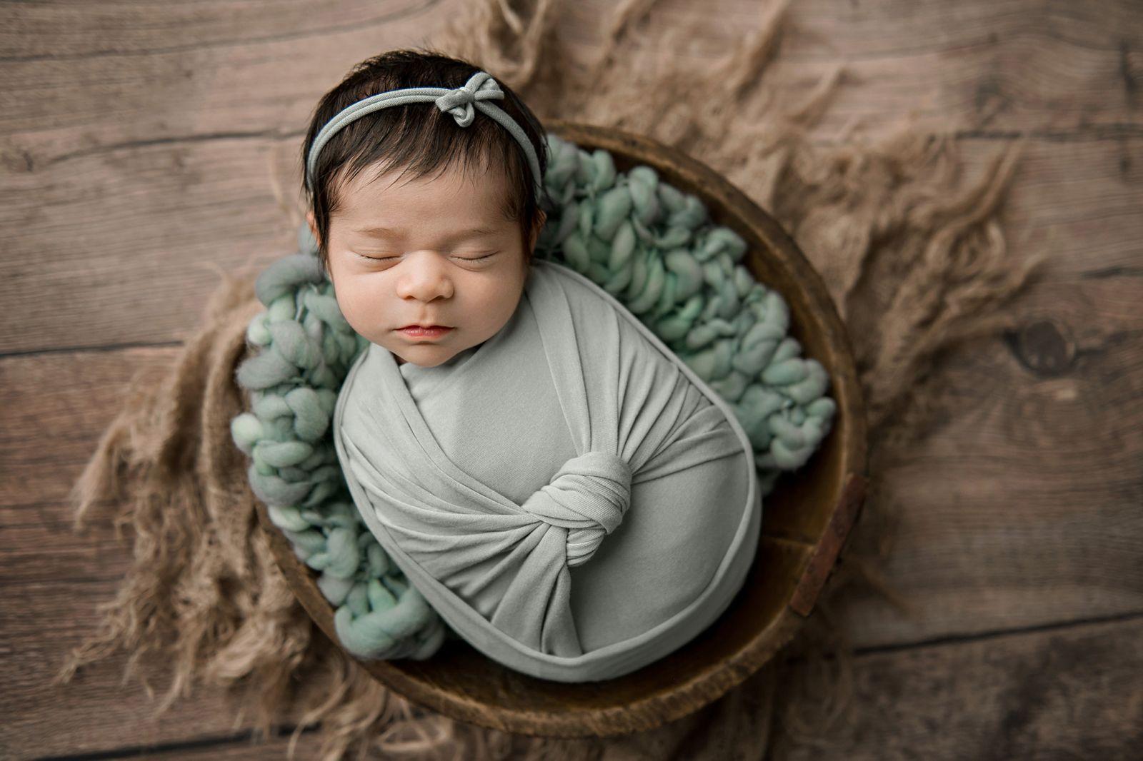 newborn-baby-girl-charleston-south-carolina-sage-green-02