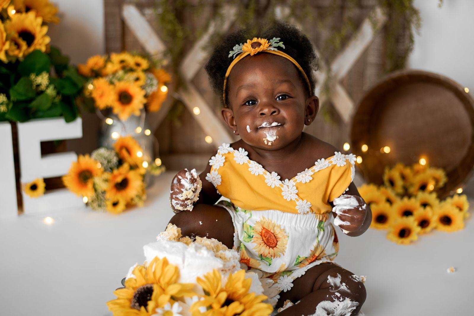 first-birthday-cake-smash-sunflower-theme-charleston-6
